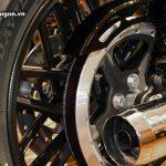 harley-roadster-1200-2016-motosaigon-36