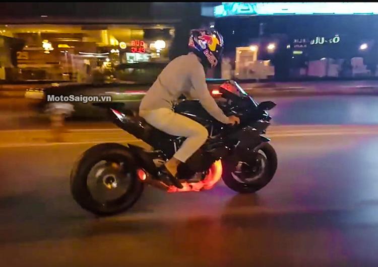 Ninja H2R Drift nẹt pô trên đường phó