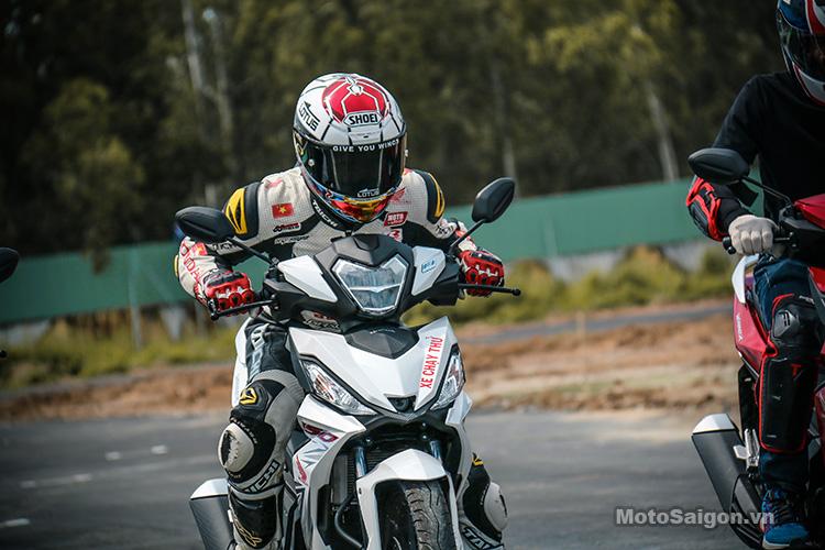 tay-dua-bui-duy-thong-winner-150-motosaigon-17