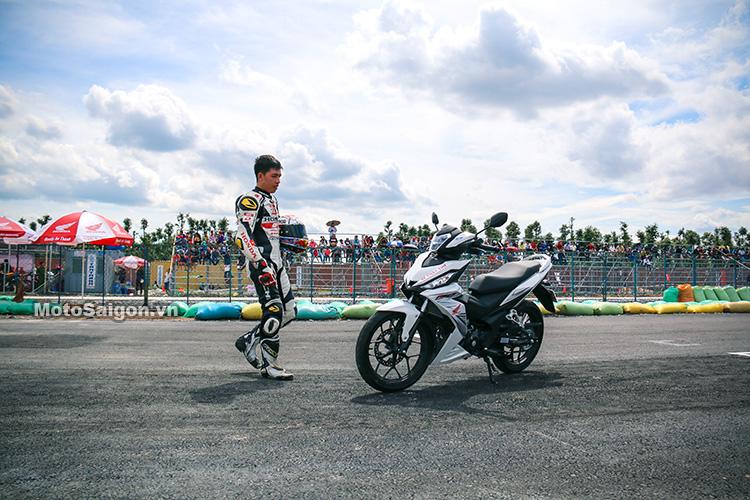 tay-dua-bui-duy-thong-winner-150-motosaigon-2