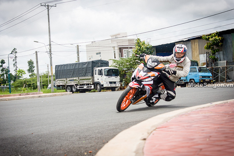 danh-gia-winner-150-om-cua-ca-goi-motosaigon-5