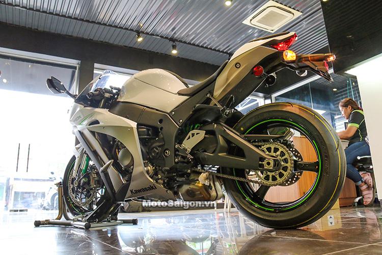 gia-ninja-zx10r-trang-titan-2017-motosaigon-12