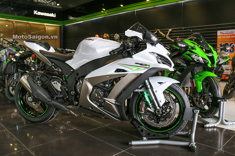 gia-ninja-zx10r-trang-titan-2017-motosaigon-33