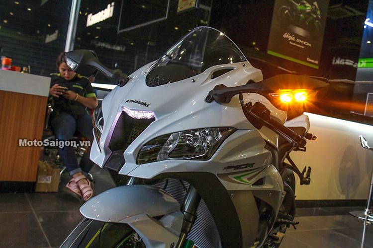 gia-ninja-zx10r-trang-titan-2017-motosaigon-4