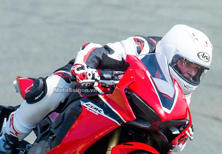 thiet-ke-dau-den-cbr1000-2017-motosaigon-1