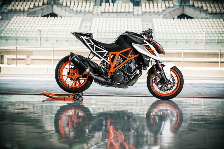 ktm-1290-super-duke-r-2017-motosaigon-11