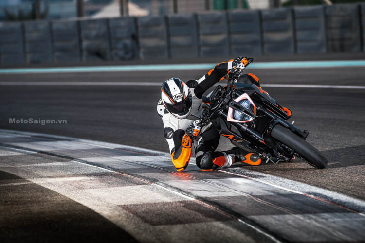 ktm-1290-super-duke-r-2017-motosaigon-14