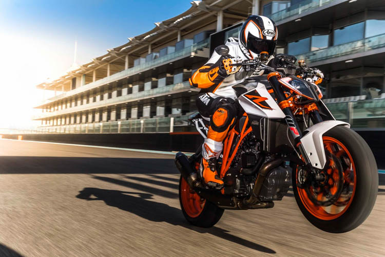 ktm-1290-super-duke-r-2017-motosaigon-5