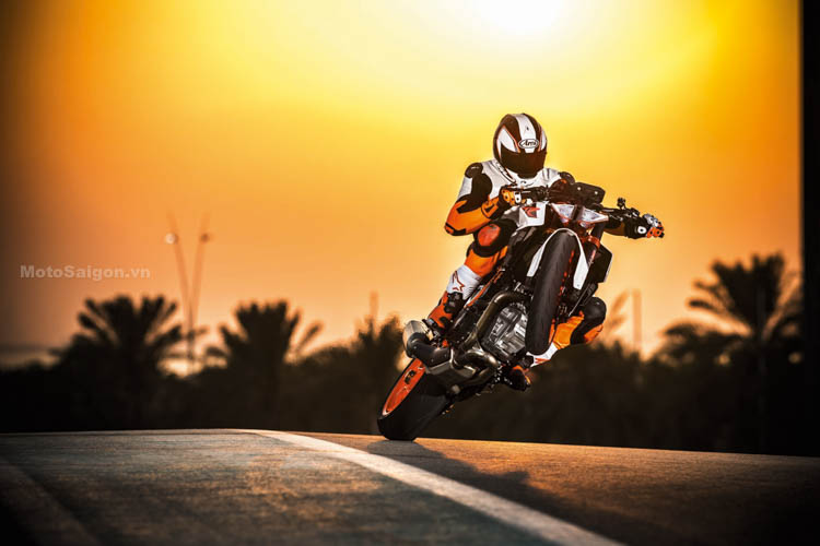 ktm-1290-super-duke-r-2017-motosaigon-7