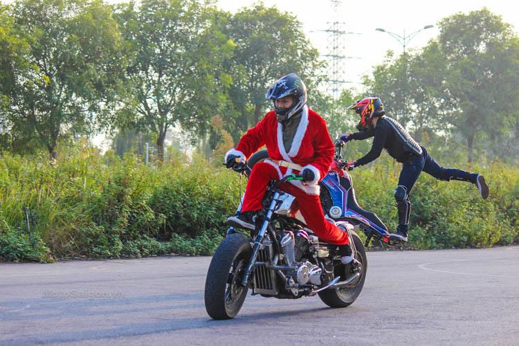 ong-gia-noel-stunt-honda-steed-ktm-duke-motosaigon-4