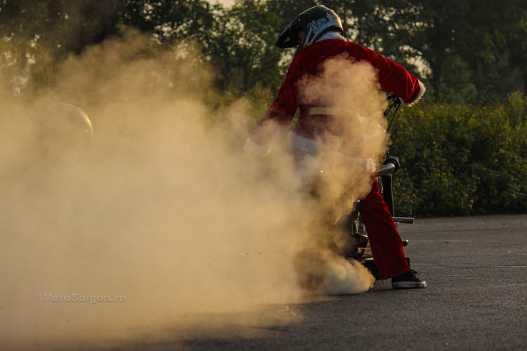 ong-gia-noel-stunt-honda-steed-ktm-duke-motosaigon-8