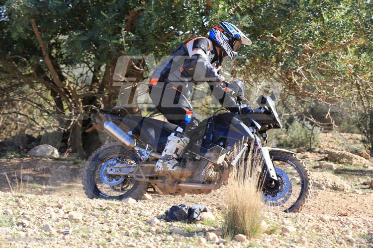 danh-gia-xe-ktm-800-adventure-2017-motosaigon-10