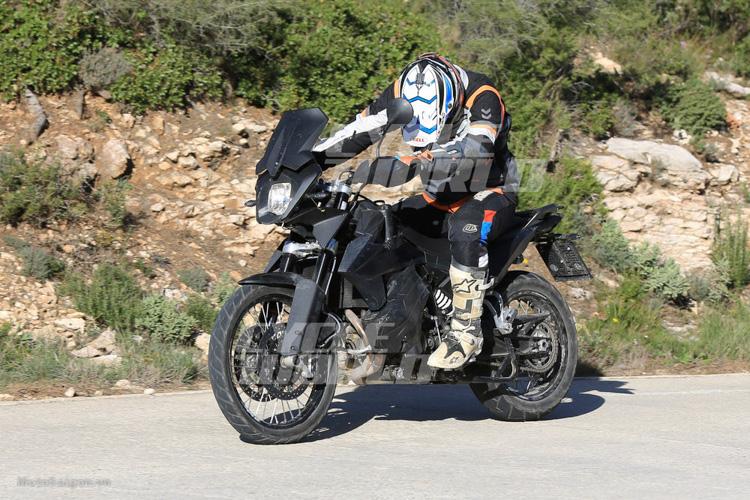 danh-gia-xe-ktm-800-adventure-2017-motosaigon-14