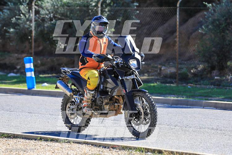 danh-gia-xe-ktm-800-adventure-2017-motosaigon-2