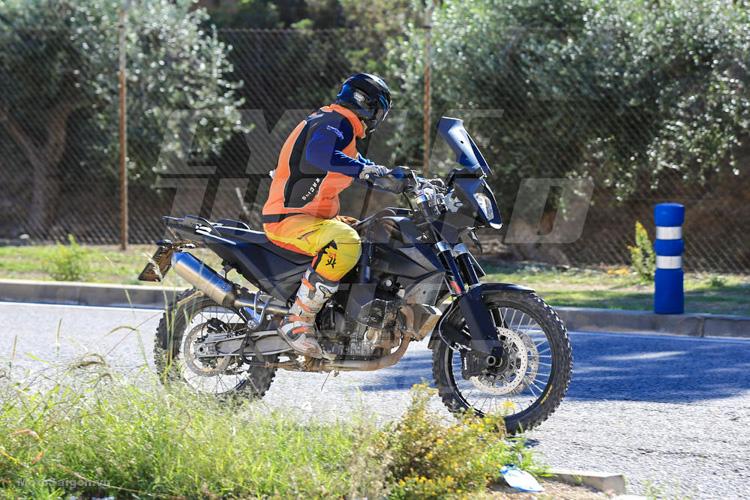 danh-gia-xe-ktm-800-adventure-2017-motosaigon-3