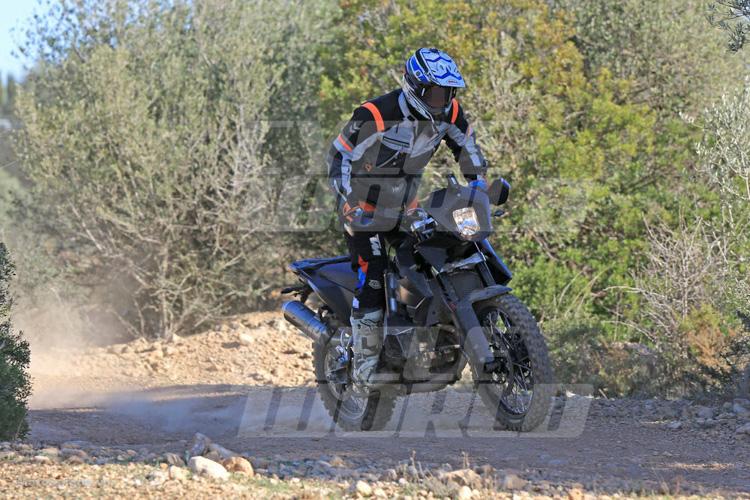 danh-gia-xe-ktm-800-adventure-2017-motosaigon-8