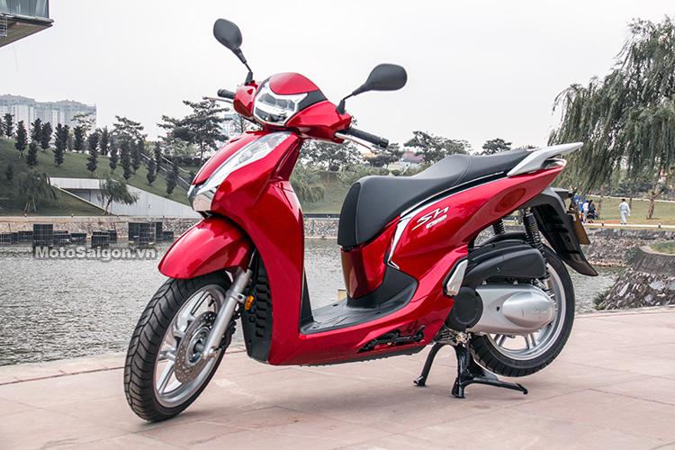 danh-gia-xe-sh300i-2017-mau-do-den-trang-motosaigon-14