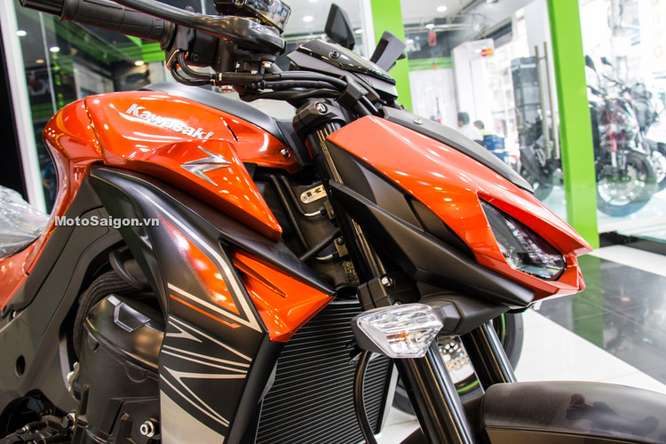 danh-gia-xe-z1000-2017-hinh-anh-thong-so-motosaigon-16