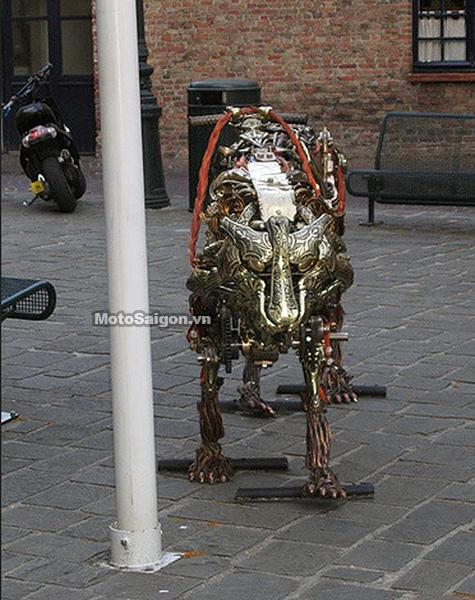 Tiger-robot-cop-may-moc-motosaigon-3