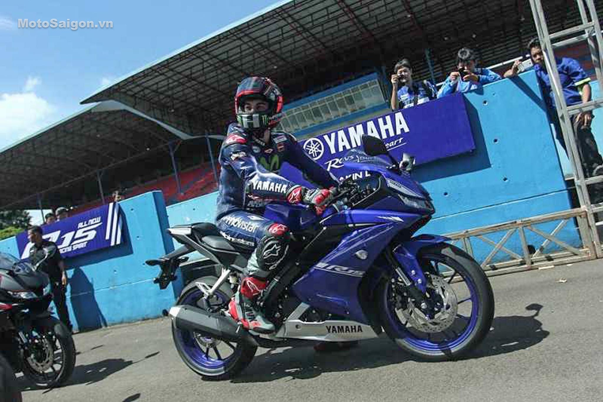 danh-gia-xe-yamaha-r15-v3-2017-hinh-anh-motosaigon-21