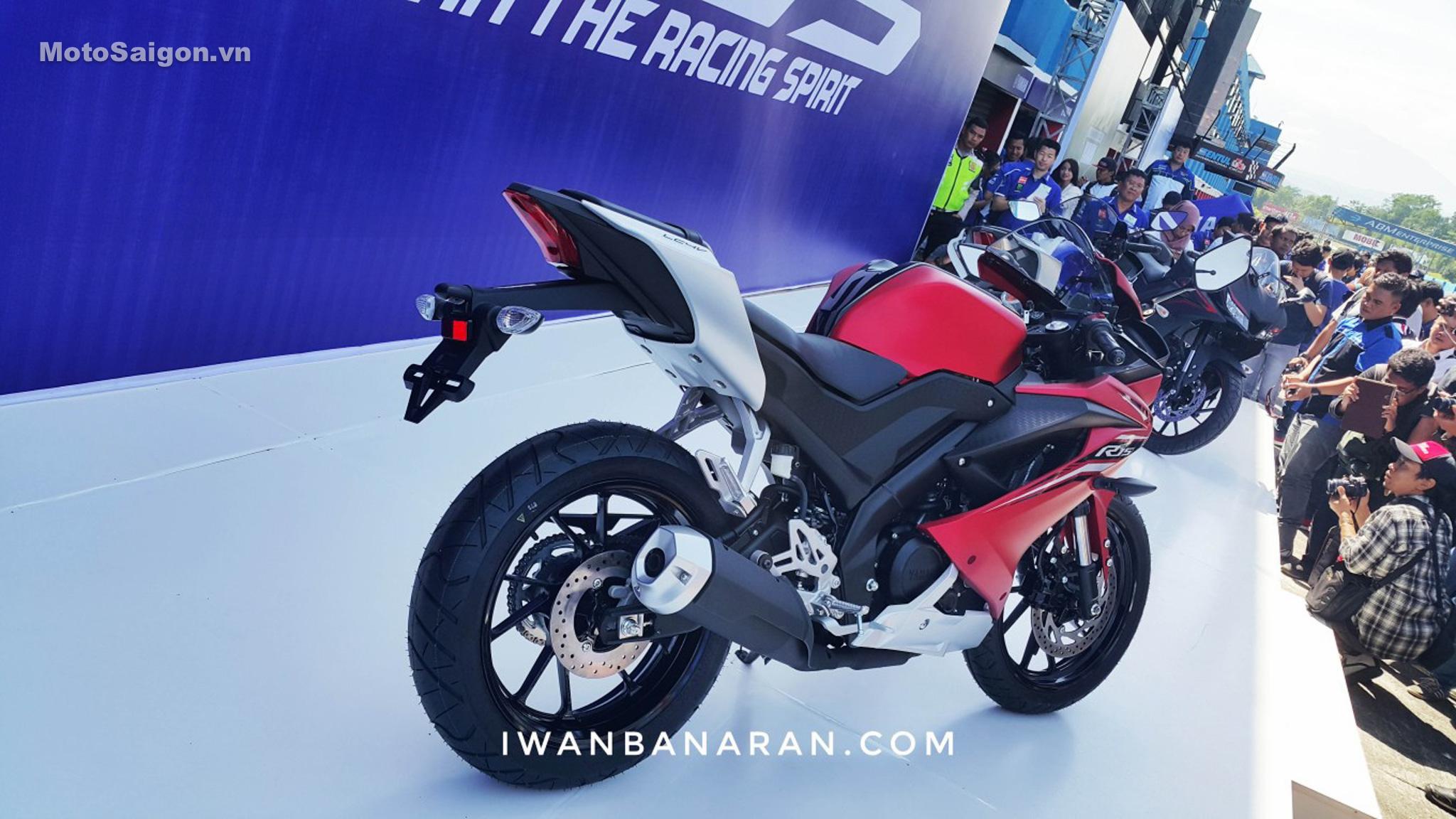 danh-gia-xe-yamaha-r15-v3-2017-hinh-anh-motosaigon-3