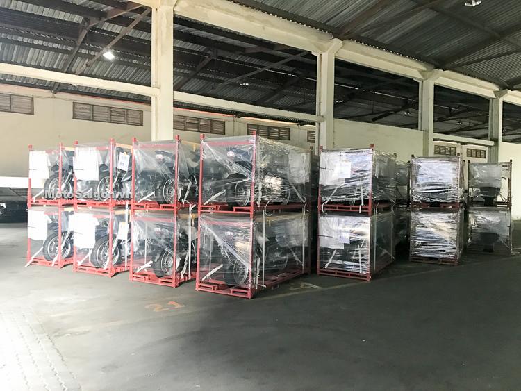 Giá xe BMW Motorrad 2018 chính hãng tại Việt Nam gồm: F700GS, F800GS, R1200GS, R1200GSA, S1000R, S1000RR