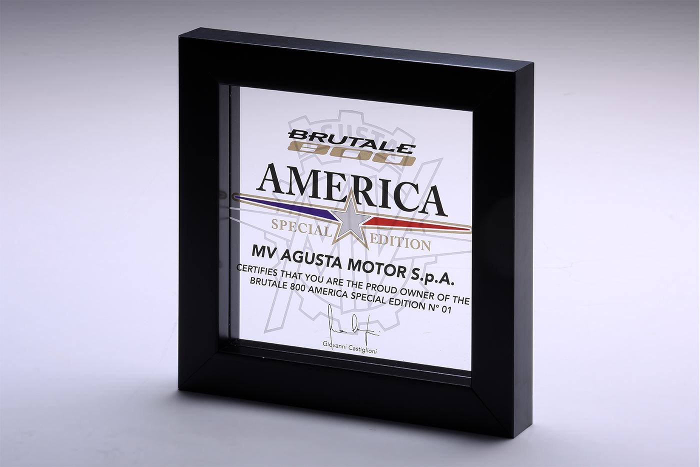 Brutale 800 RR America và giấy chứng nhận do chính MV Agusta cấp