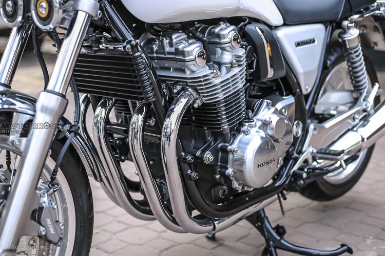 Cận cảnh khối động cơ 4 xilanh, 1140 phân khối đi vào huyền thoại của Honda CB1100