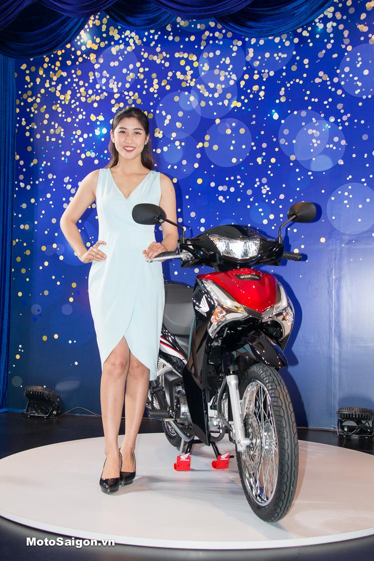 Honda Future 2018 có thiết kế mặt nạ trước khá giống với SH và được trang bị đèn pha LED