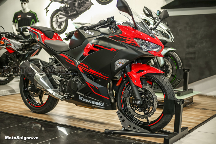 Kawasaki Ninja 250 2018 về Việt Nam có giá bán cực sốc