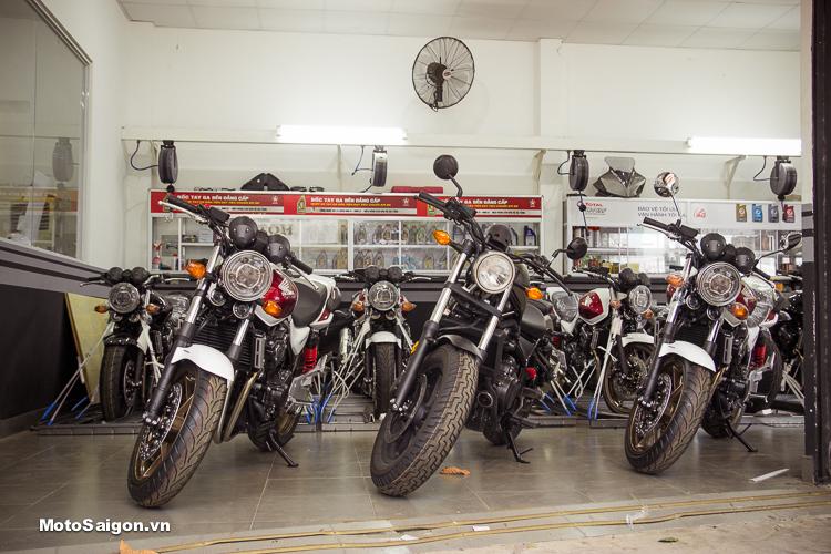 Lô hàng Honda Rebel 500 và Honda CB400 bản đặc biệt màu Đỏ trắng cập bến Honda Motorrock