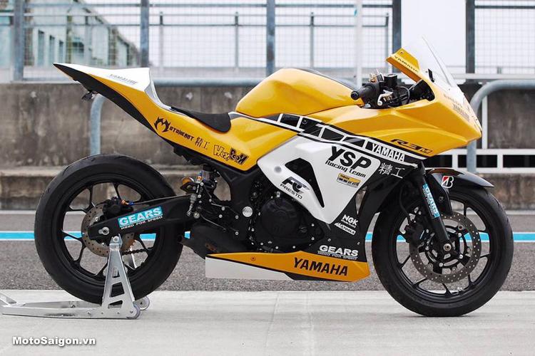 Yamaha R3 độ phong cách đường đua như Yamaha M1