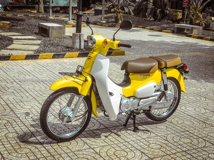 Trên yên Honda Super Cub 110 đèn LED 2018 đầu tiên Việt Nam