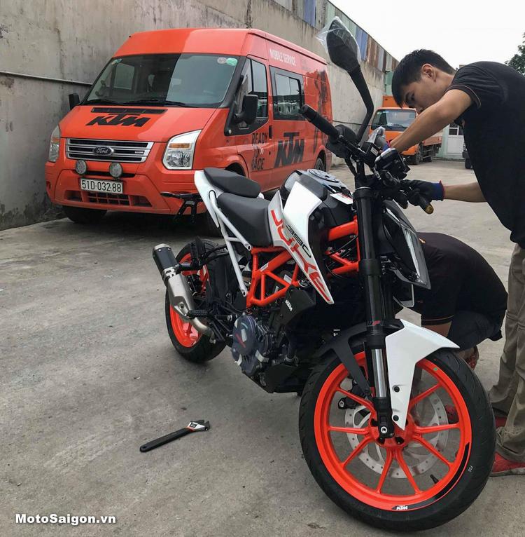 Lô hàng KTM Duke 390 2018 về Việt Nam số lượng lớn