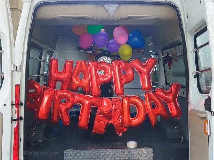 Vợ bất ngờ tặng xe Triumph Street Twin cho Chồng dịp Sinh nhật