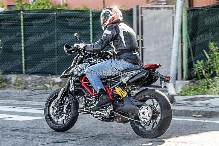 Ducati Hypermotard 2019 hoàn toàn mới lộ hình ảnh đầu tiên