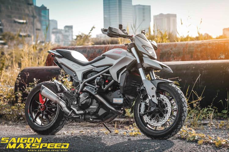 Ducati Hyperstrada 821 lên đồ chơi cực chất - Hình: Saigon MaxSpeed VN