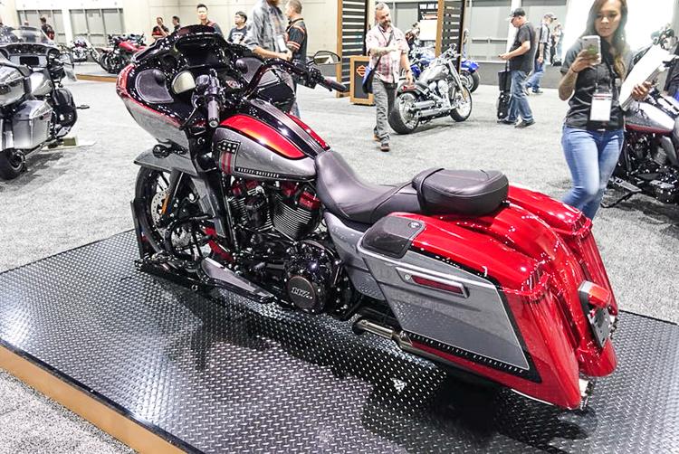 Siêu phẩm Harley-Davidson CVO Road Glide 2019 chính thức ra mắt