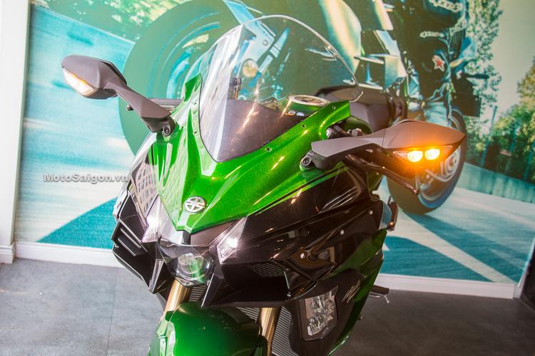 Kawasaki Ninja H2 SX SE chính hãng đầu tiên về Việt Nam