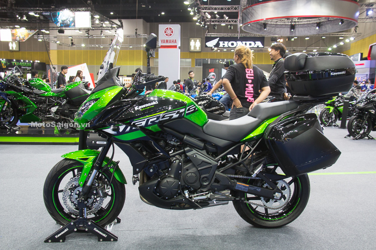 Kawasaki Versys 650 Adventure nhiều đồ chơi phụ kiện đi tour