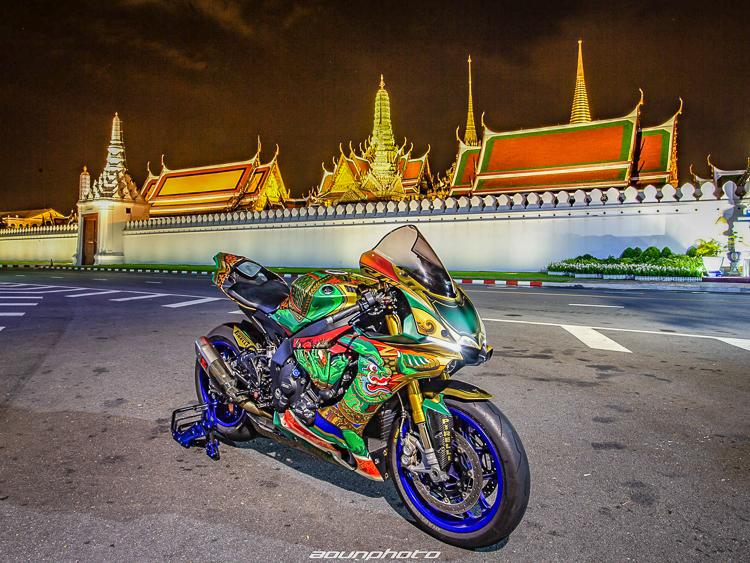 Yamaha R1M dán tem trùm tuyệt đẹp đến từ Thái Lan