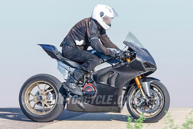 Ducati Panigale V4 R 2019 phiên bản đua khác biệt gì so với Panigale V4