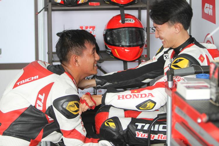 Hai tay đua Cao Việt Nam và Lê Khánh Lộc