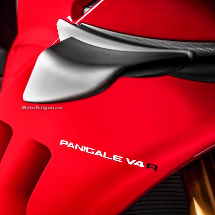 Cánh gió làm từ chất liệu carbon siêu nhẹ trên Ducati Panigale V4 R 2019