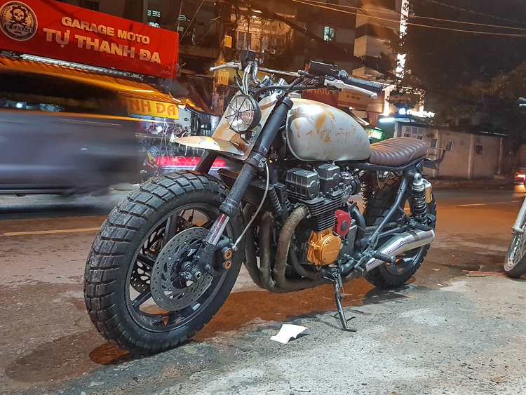 Honda CB750F độ phong cách Walking Dead cực chất của Tự Thanh Đa