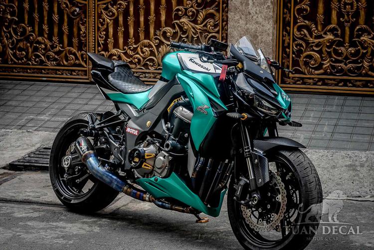 Kawasaki Z1000 dán decal nhôm xước màu xanh lục bảo tuyệt đẹp