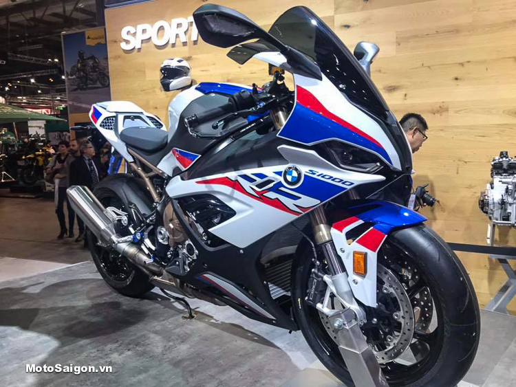 Hình ảnh thực tế BMW S1000RR 2019 hoàn toàn mới tại EICMA