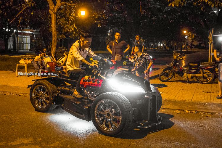 Doanh nhân Liêm Trịnh trên Xế độ QuadBull: Honda CBR1000RR