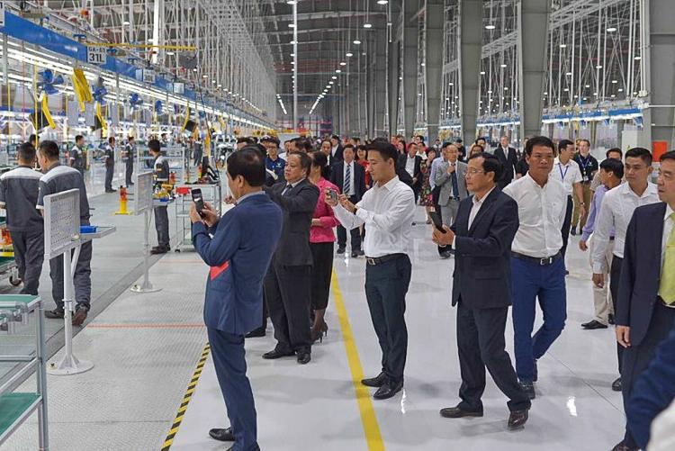 Tham quan bên trong nhà máy sản xuất của Vinfast