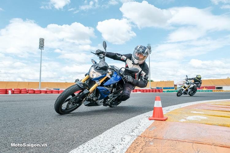 Motosaigon trải nghiệm thực tế BMW G310R & G310GS tại Trường đua Đại Nam